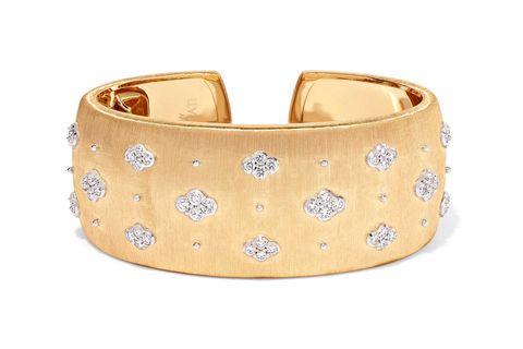 Fashion accessory, Bracelet, Jewellery, Bangle, Beige, Gold, Metal, Cuff,
