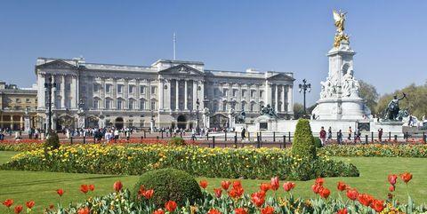 英王室 バッキンガム宮殿 エリザベス女王 インスタグラム ロイヤルファミリー