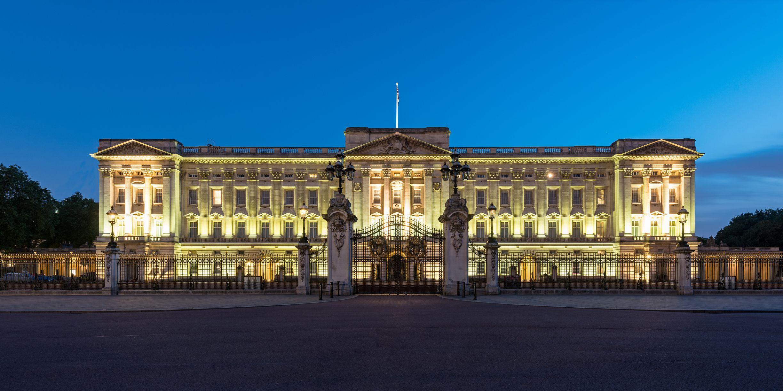 Buckingham Palace at night, London