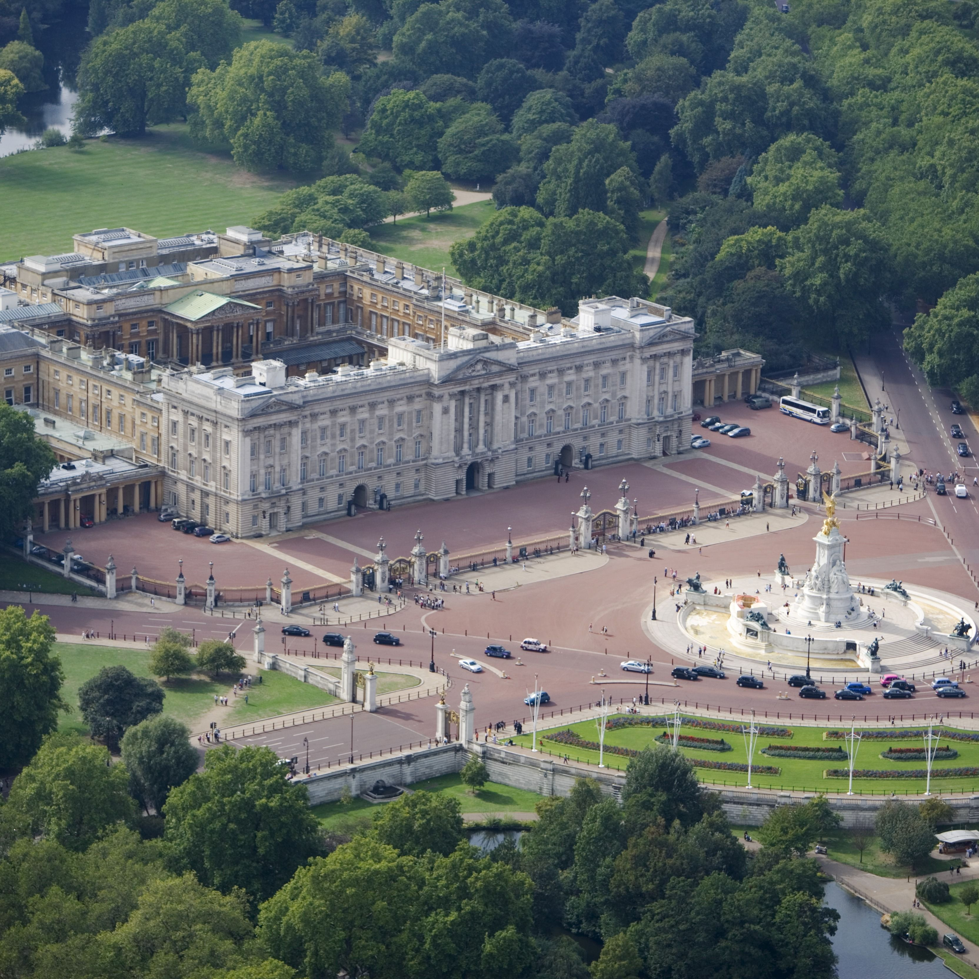 It Would Cost Over $3 Million to Rent Buckingham Palace for a Month, According to Study