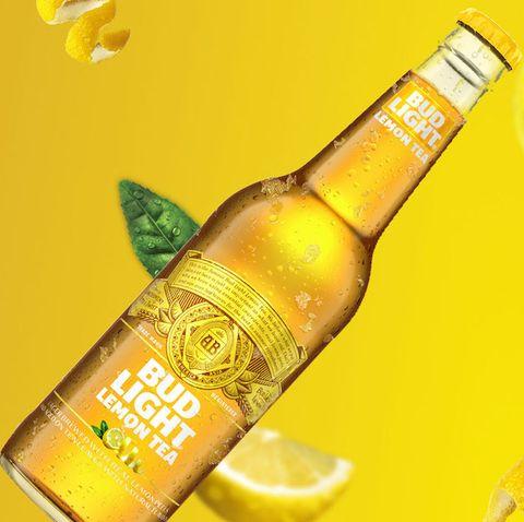 Liqueur, Drink, Alcoholic beverage, Lime, Citrus, Distilled beverage, Bottle, Lemon,