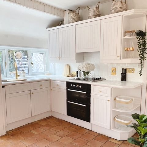before  after homeowner revamps dark and dull kitchen for just £100