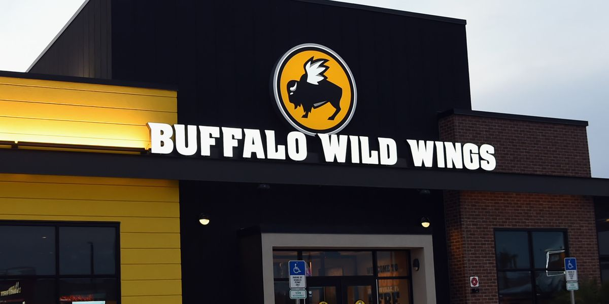 Buffalo Wild Wings Is Sending Gift Cards To People Who Ordered From Applebee's Delivery-Only Restaurant