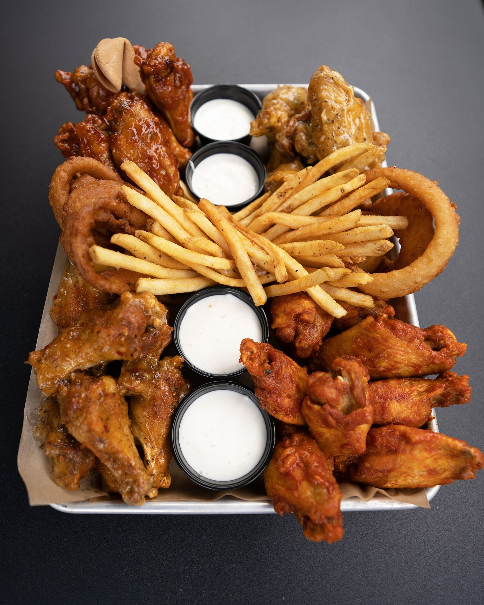 Buffalo Wild Wings 2020 Christmas Buffalo Wild Wings Has Four New Sauces Including Pizza