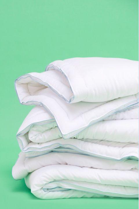 White, Bed sheet, Green, Turquoise, Product, Textile, Linens, Bedding, Duvet cover, Duvet,