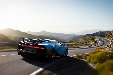 2021 bugatti chiron pur sport rear