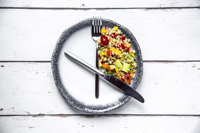bulgar salad on round plate, symbol for intermittent fasting
