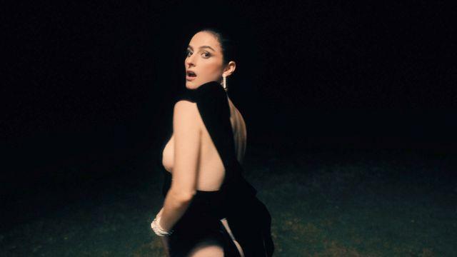 banks bulgari skinnydipped music video