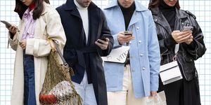 Mensen met telefoon, telefoon, dating app, streetstyle