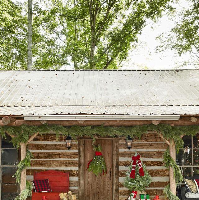 35 DIY Christmas Door Decorations - Holiday Door Decorating ...