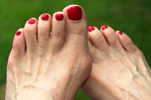 Why Do My Feet Hurt So Bad 11 Causes And How To Stop The Pain