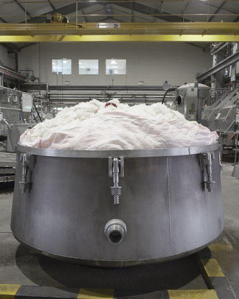 burberry經典格紋圍巾織造過程圖