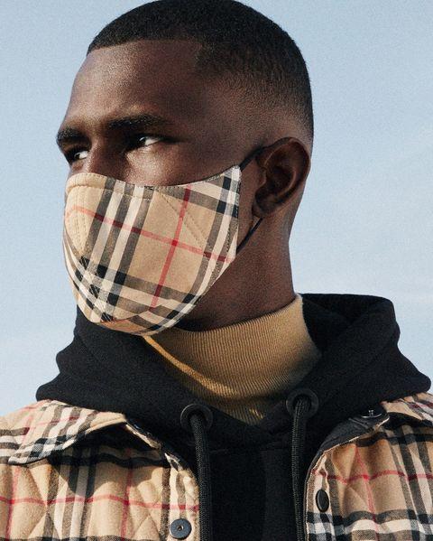 burberry 推出經典格紋口罩
