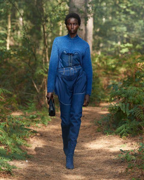 Sleeve, Electric blue, Cobalt blue, Street fashion, Forest, Waist, Fashion model, Woodland, Fashion design, Old-growth forest,