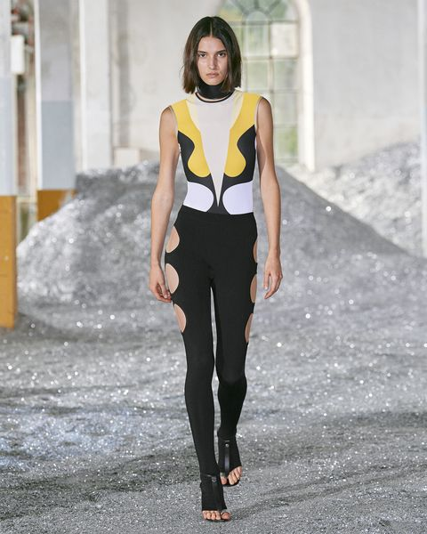 pantaloni moda 2022