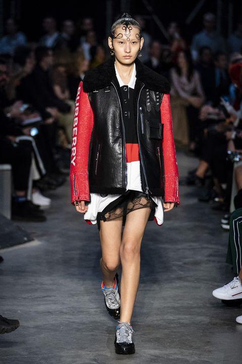 Fashion model, Fashion, Fashion show, Runway, Clothing, Public event, Event, Footwear, Fashion design, Human,
