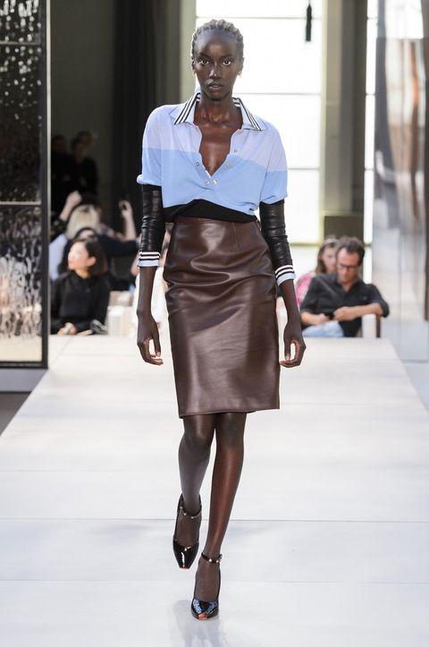 Fashion model, Fashion show, Fashion, Runway, Clothing, Shoulder, Fashion design, Street fashion, Waist, Public event,