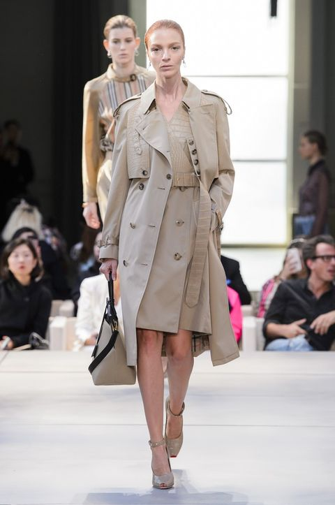 Fashion model, Fashion, Fashion show, Runway, Clothing, Fashion design, Shoulder, Public event, Event, Coat,