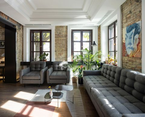 Living room, Room, Building, Property, Interior design, Furniture, House, Home, Ceiling, Couch,