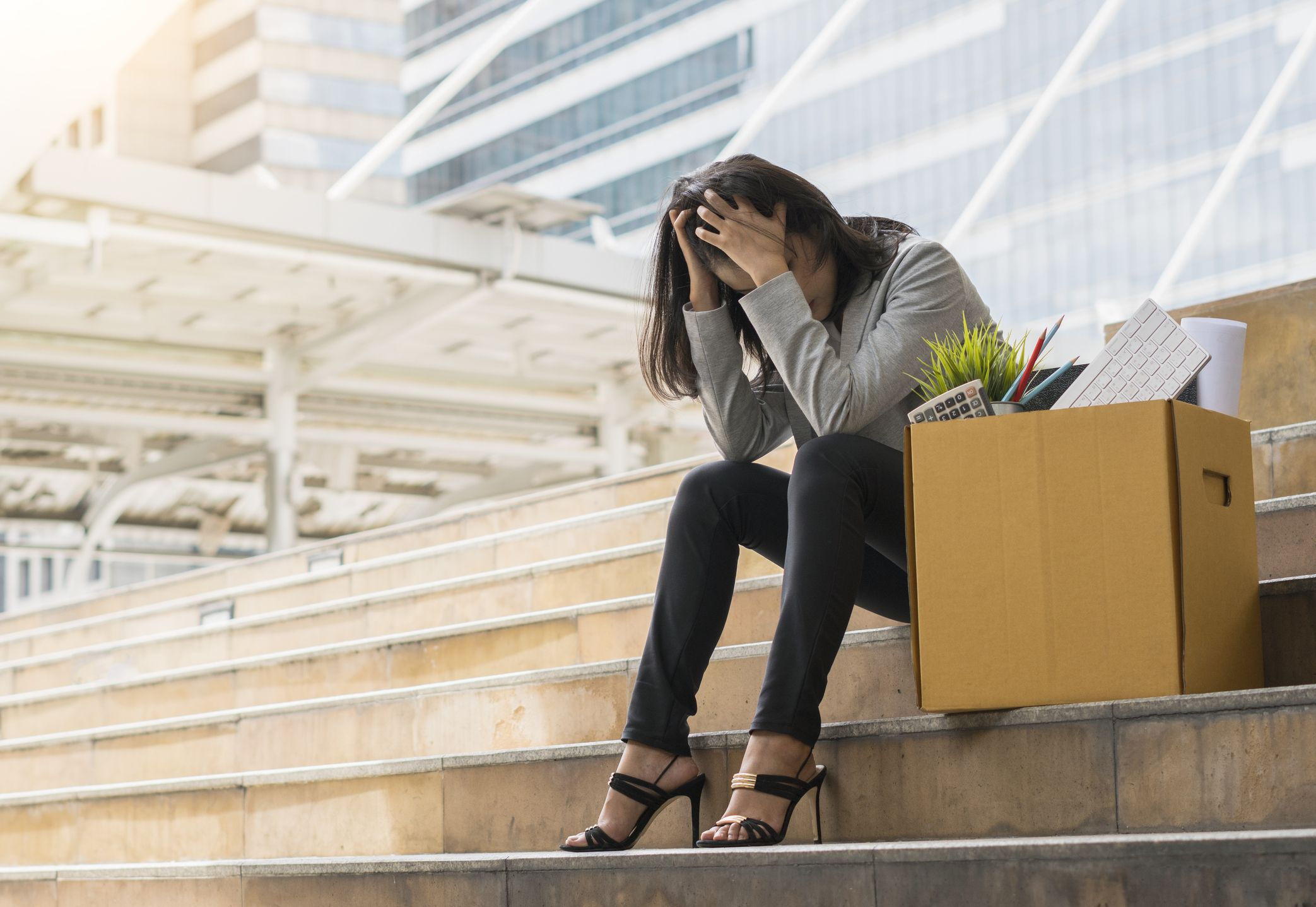 体験談】リストラを受け…失業した時の落ち込みに向き合う方法