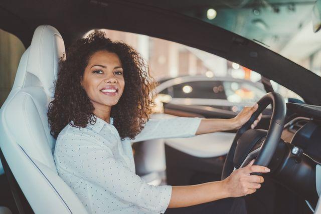 businesswoman buying new car