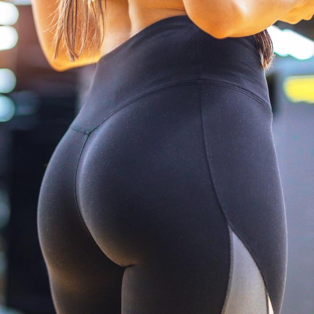 Squat girls who Like a