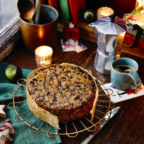 buttered rum christmas cake