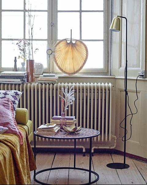 ideas para vestir la cama dormir bien y vencer insomnio mesa, lámpara y sofá