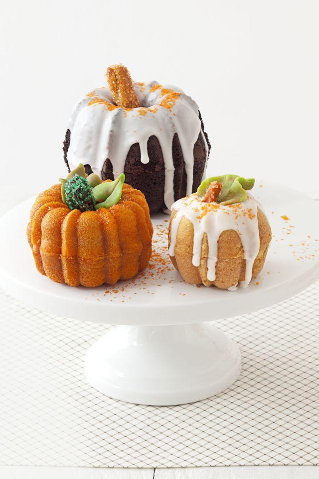 pumpkin patch cakes, bundt cake