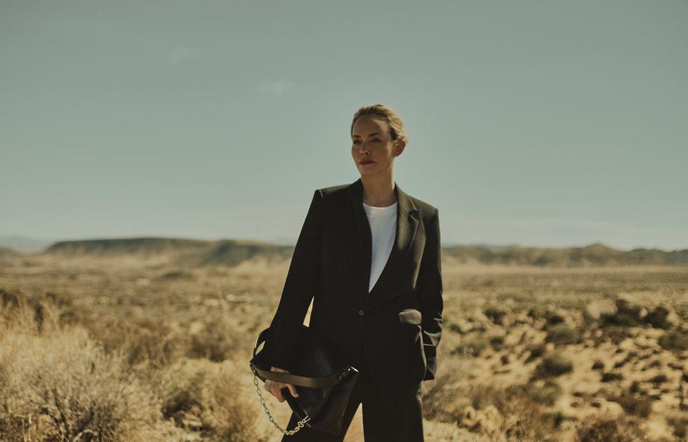 """Amber Valletta, la modelo que soñó con cambiar el mundo: """"Prefiero centrarme en cambiar la industria que preocuparme por ser la mujer más mayor de la pasarela"""""""