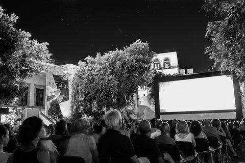 Black, Black-and-white, People, Crowd, Monochrome, Monochrome photography, Tree, Photography, Architecture, Night,