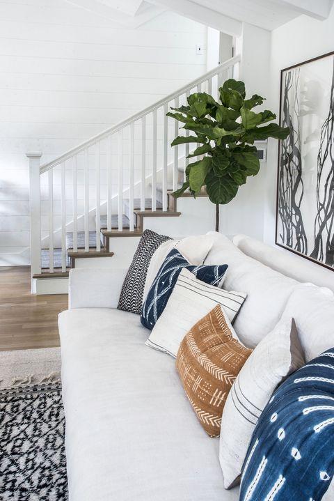 White, Room, Bedroom, Interior design, Furniture, Property, Blue, Home, Bed, Living room,