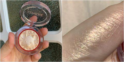 Skin, Eye, Pink, Eye shadow, Material property, Powder, Hand, Nail, Peach, Fashion accessory,