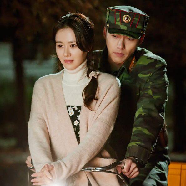 孫藝珍生涯經典6部韓劇、3部電影回顧!除了《愛的迫降》還有這幾部作品必追,出道20年凍齡美貌始終如一