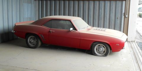 Land vehicle, Vehicle, Car, Coupé, Automotive design, Classic car, Wheel, Hood, Sports car, Sedan,