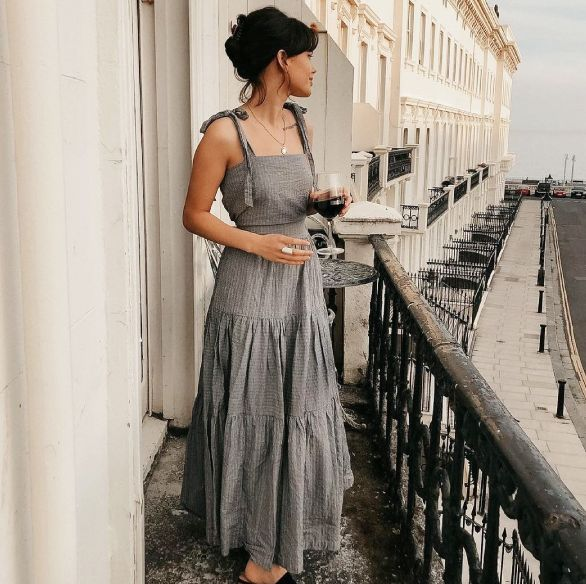 shopbop精選25款「女神綁帶洋裝」推薦!綁帶肩帶、浪漫裙襬穿搭讓你回頭率激增