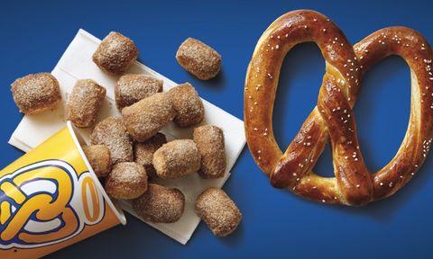 Food, Simit, Cuisine, Pretzel, Snack, Bread, Lye roll, Dish, Ingredient, Baked goods,