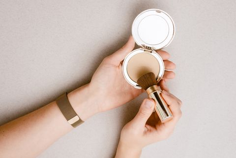 粉餅遮瑕補妝用法2021專櫃開架粉餅推薦控油美肌不脫妝