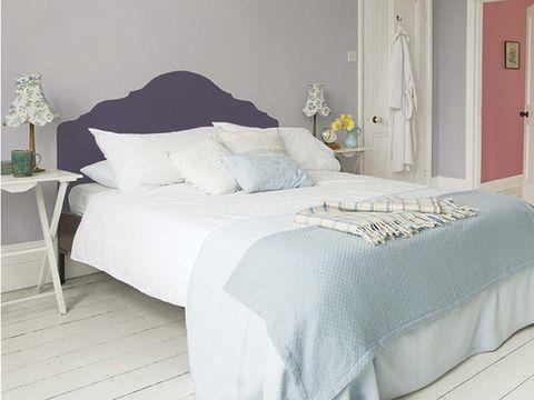 Bed, Bedroom, Furniture, Bed sheet, Bedding, Room, Bed frame, Duvet cover, Mattress, Property,