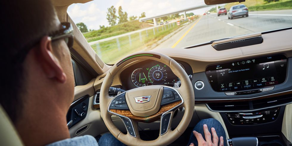 IIHS Wants Driver-Assist Systems to Require a Driver's Attention