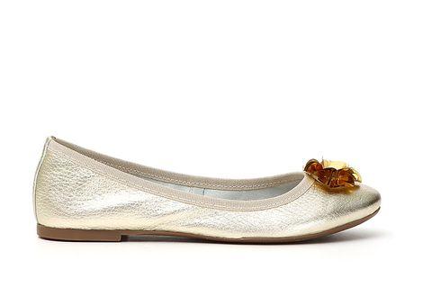 Footwear, Shoe, Beige, Ballet flat, Fashion accessory,
