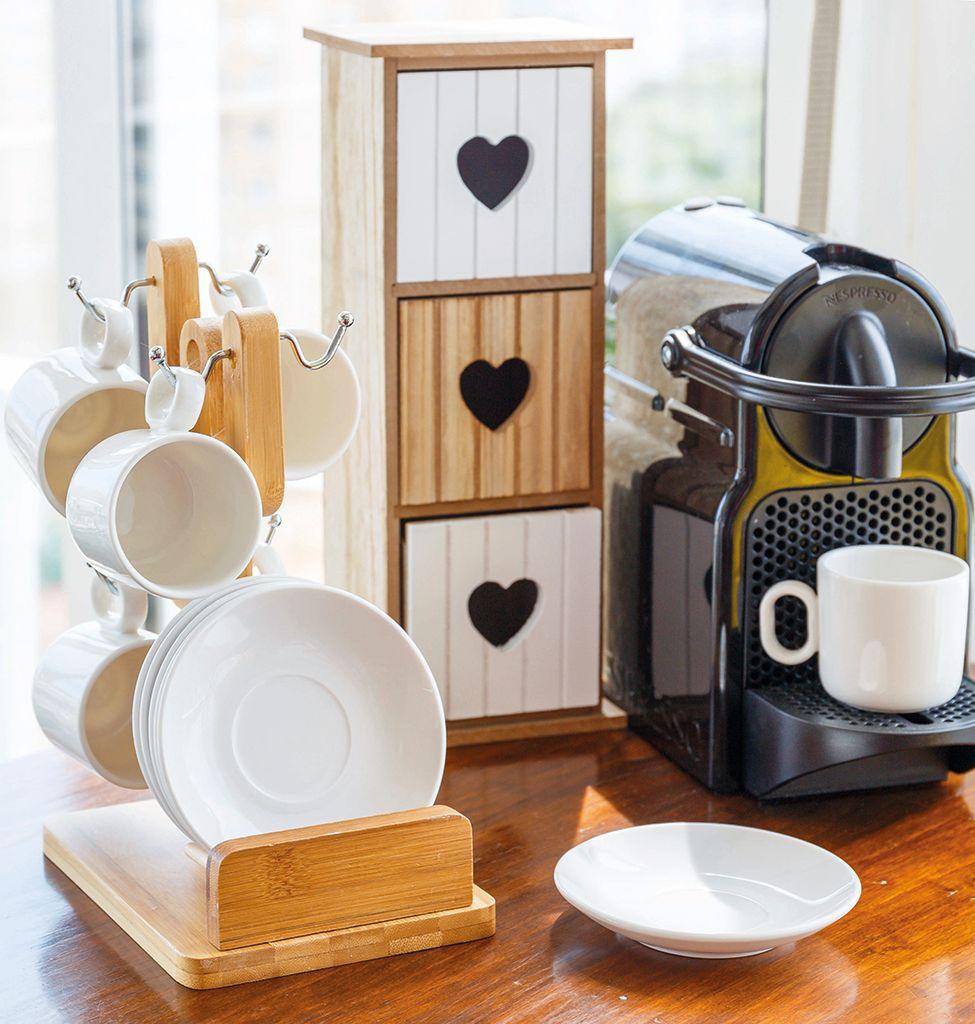 Rincón del café: tazas y cafetera
