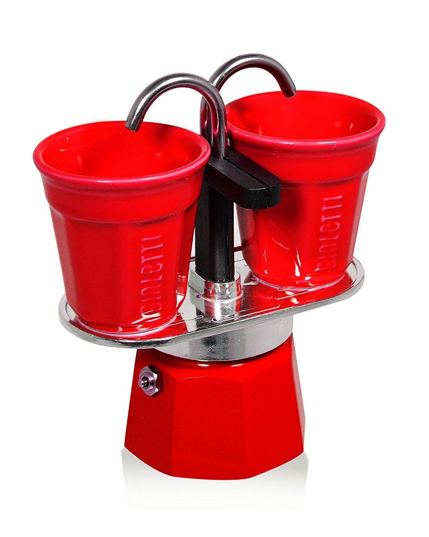 Cafetera de aluminio con 2 vasitos color rojo