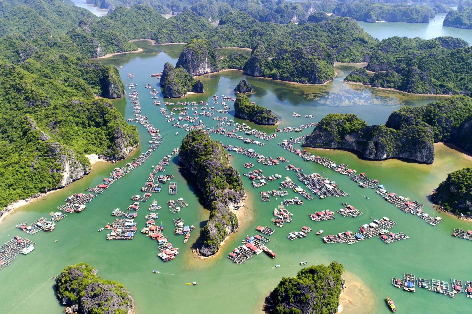 Seven natural wonders of the world: Halong Bay