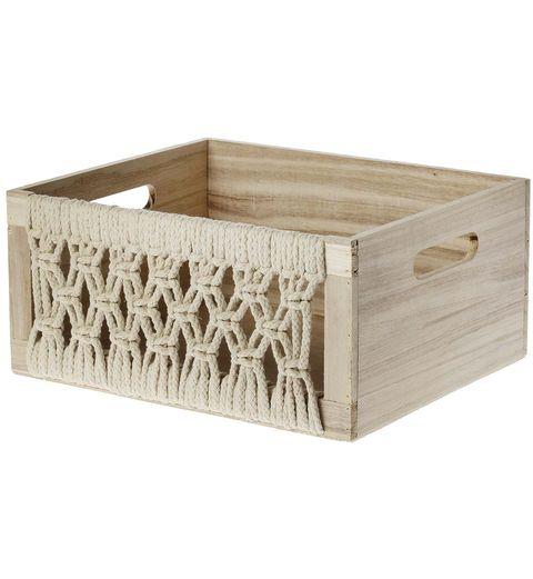 Caja de madera y macramé