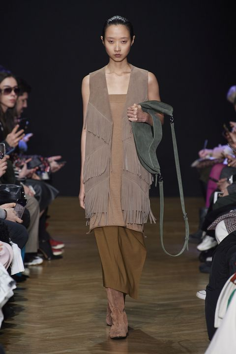 Fashion model, Fashion show, Fashion, Runway, Clothing, Fashion design, Event, Public event, Human, Dress,