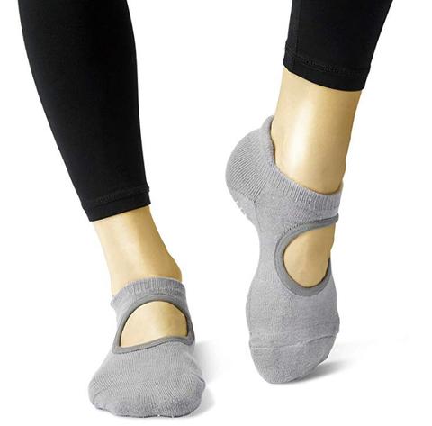 Footwear, Shoe, Sock, Mary jane, Human leg, Ankle, Plimsoll shoe, Calf, Fashion accessory, Beige,