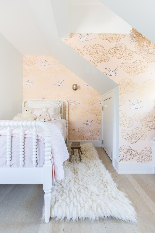 Design bedroom for girl