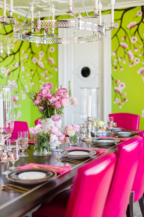 dining room, green walls, pink chairs