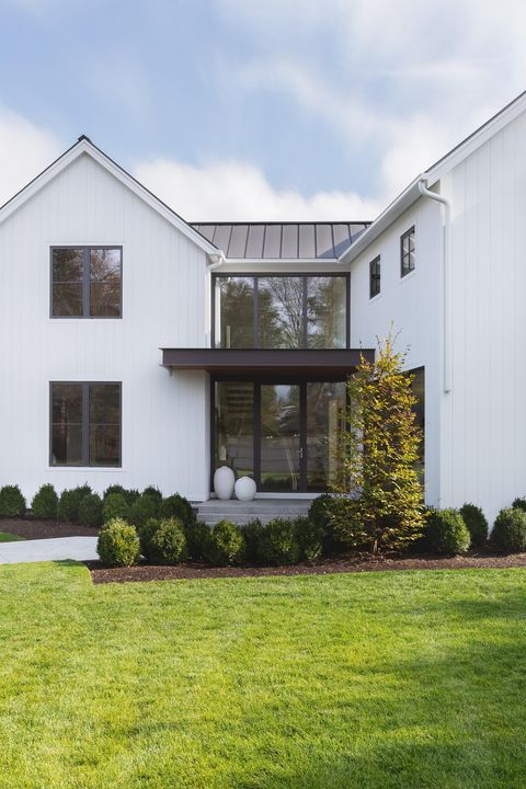 exterior, white house